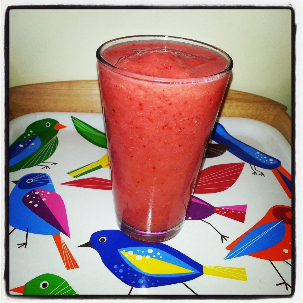 StrawberryPineappleBananaFlaxseedSmoothie